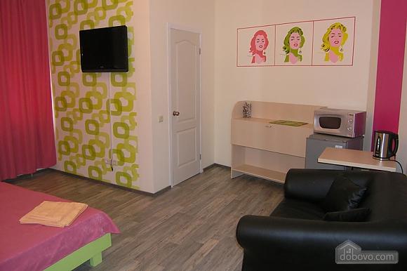 Apartment on Olesya Honchara Street, Studio (40938), 003