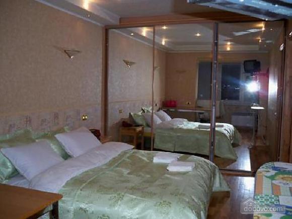 The apartment is near Olimpiiska station, Zweizimmerwohnung (10921), 001
