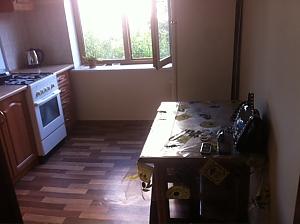 Hlushko, Zweizimmerwohnung, 004