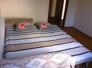 Hlushko, Un chambre, 001