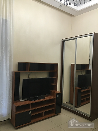 Beautiful apartment in a new house, One Bedroom (93131), 006