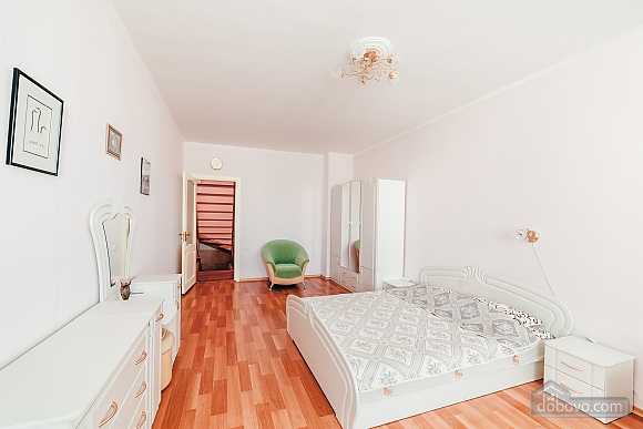 House in Odessa, Four Bedroom (91382), 015