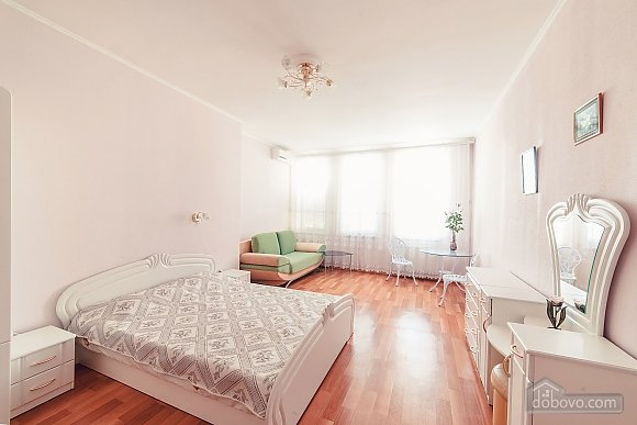 House in Odessa, Four Bedroom (91382), 001