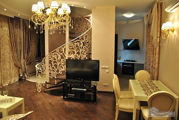 Шикарна квартира біля Дерибасівської, 3-кімнатна (49582), 002