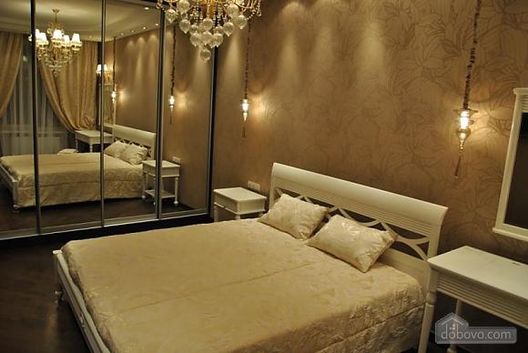 Шикарна квартира біля Дерибасівської, 3-кімнатна (49582), 001