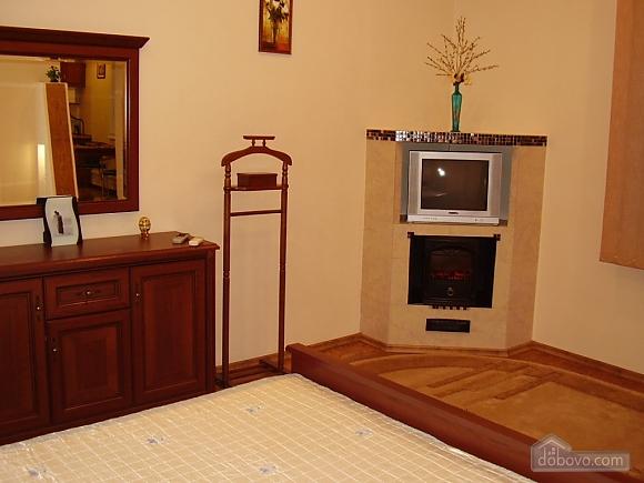 Квартира класу люкс у центрі, 1-кімнатна (36949), 001