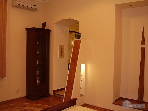Квартира класу люкс у центрі, 1-кімнатна (36949), 003