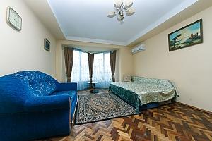 Standard overlooking Bessarabska square, Two Bedroom, 002