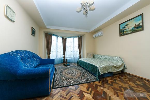 Стандарт с видом на Бессарабскую площадь, 3х-комнатная (87407), 002