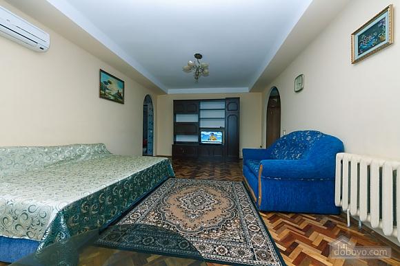 Стандарт с видом на Бессарабскую площадь, 3х-комнатная (87407), 003
