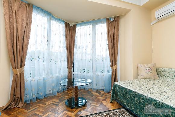 Стандарт с видом на Бессарабскую площадь, 3х-комнатная (87407), 005