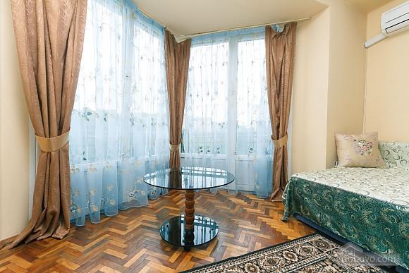 Стандарт с видом на Бессарабскую площадь, 3х-комнатная (87407), 007