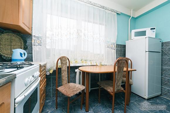 Стандарт с видом на Бессарабскую площадь, 3х-комнатная (87407), 009