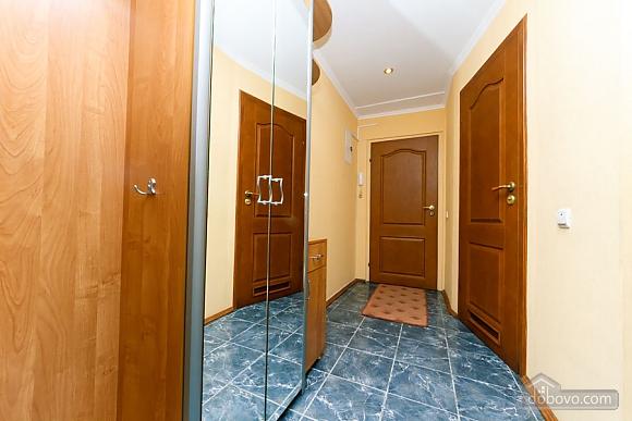 Стандарт с видом на Бессарабскую площадь, 3х-комнатная (87407), 010