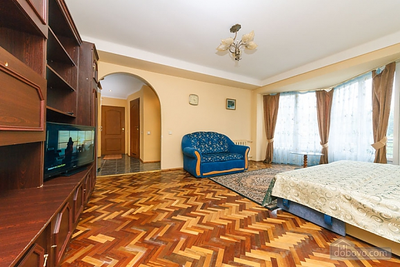 Стандарт с видом на Бессарабскую площадь, 3х-комнатная (87407), 012