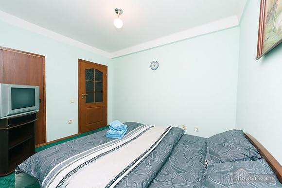 Стандарт с видом на Бессарабскую площадь, 3х-комнатная (87407), 014