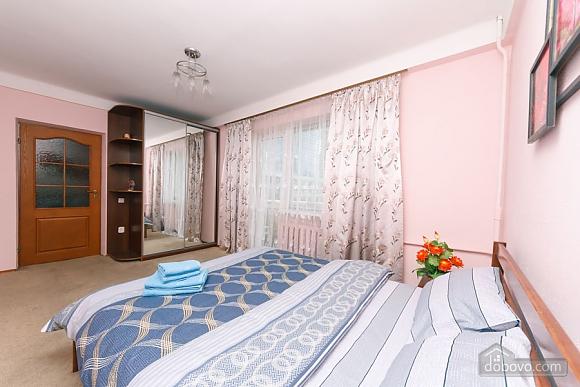 Стандарт с видом на Бессарабскую площадь, 3х-комнатная (87407), 016