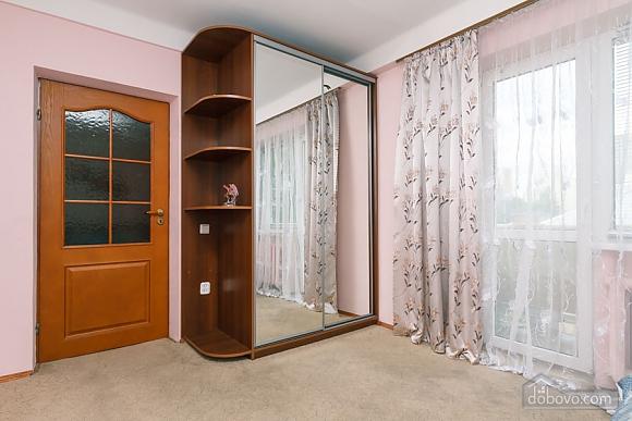 Стандарт с видом на Бессарабскую площадь, 3х-комнатная (87407), 017