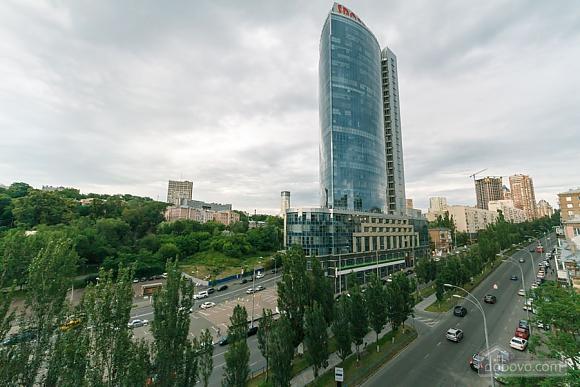 Стандарт с видом на Бессарабскую площадь, 3х-комнатная (87407), 021