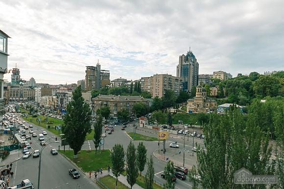 Стандарт с видом на Бессарабскую площадь, 3х-комнатная (87407), 022