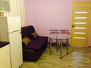 Studio and bedroom, Studio, 001