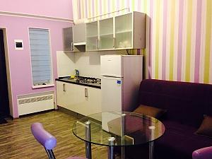 Studio and bedroom, Studio, 002