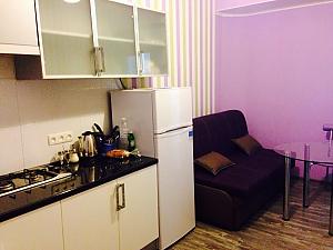 Studio and bedroom, Studio, 003