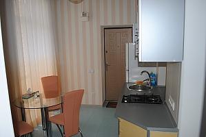 Чудова тиха квартира, 2-кімнатна, 012
