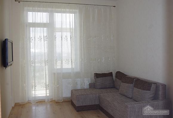 4th Zhemchuzhina, Studio (78503), 001