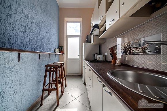 Затишна квартира в тихій частині центру Львова, 2-кімнатна (86024), 002