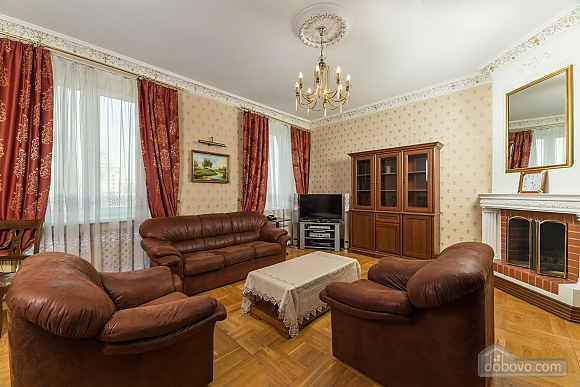 Spacious two bedroom apartment with Jacuzzi and fireplace opposite the Opera theatre, Deux chambres (71791), 001