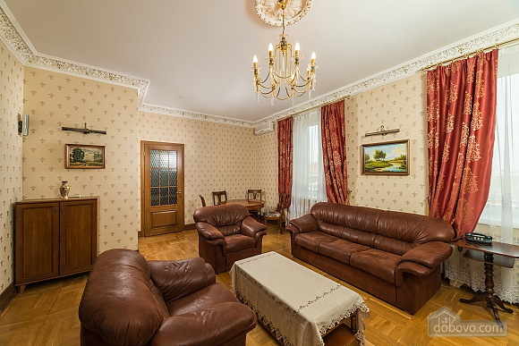 Spacious two bedroom apartment with Jacuzzi and fireplace opposite the Opera theatre, Deux chambres (71791), 002