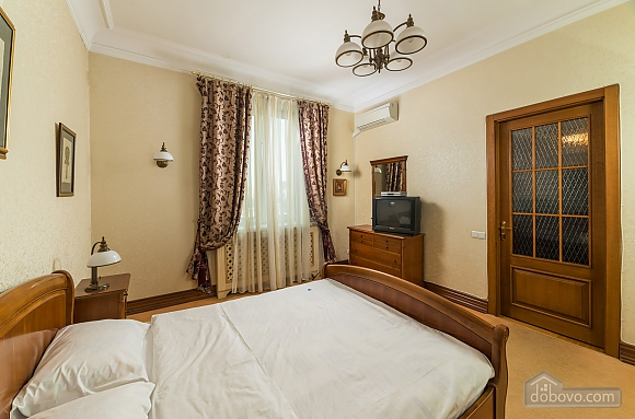 Spacious two bedroom apartment with Jacuzzi and fireplace opposite the Opera theatre, Deux chambres (71791), 007