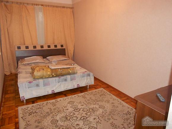 Apartment in Zaporozhye, One Bedroom (17293), 009