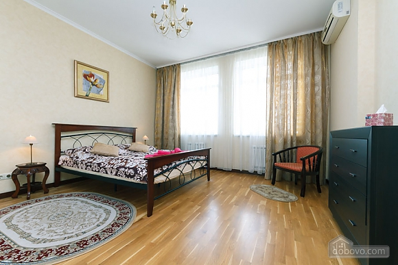 Luxury apartment in Pechersk 130 m2, Due Camere (68170), 001