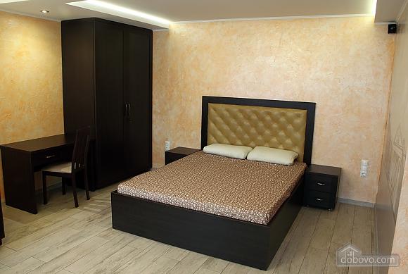 Апартаменты в центре Чернигова, 1-комнатная (18780), 004