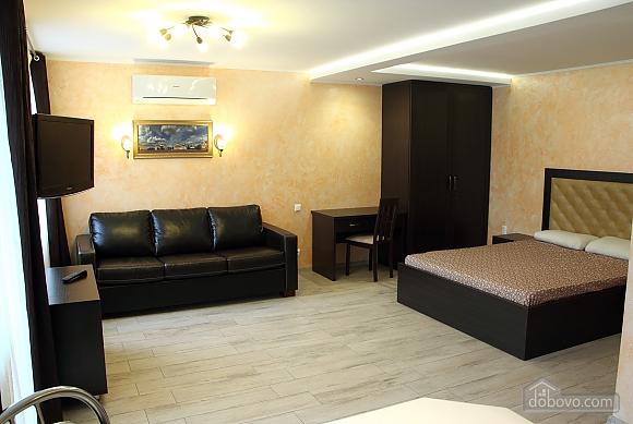 Апартаменты в центре Чернигова, 1-комнатная (18780), 005