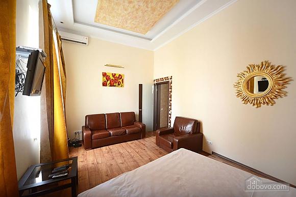 Просторная симпатичная дизайнерская студия с джакузи, 1-комнатная (60933), 005