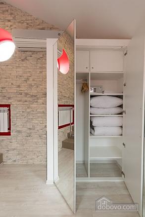 Loft, One Bedroom (37116), 009