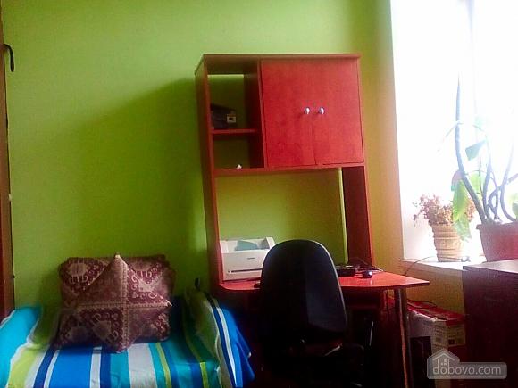 Apartment near the Ukrainian theater, Studio (97303), 006