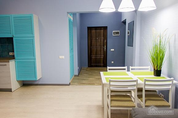 Apartment with designer's renovation, Zweizimmerwohnung (22815), 002