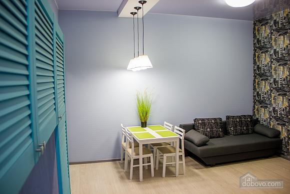 Apartment with designer's renovation, Un chambre (22815), 003