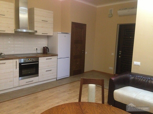 Renovated apartment in the elite complex 6 Zhemchuzhyna, One Bedroom (25547), 002