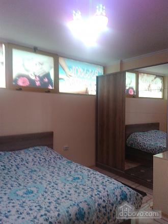 Квартира возле моря с евроремонтом, 3х-комнатная (40062), 005