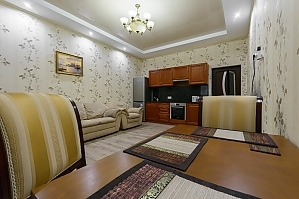 Apartment at Lypky, One Bedroom, 003