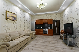 Apartment at Lypky, One Bedroom, 004