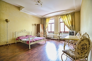 Apartment in the center of Lviv, Zweizimmerwohnung, 002