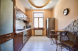 Apartment in the center of Lviv, Zweizimmerwohnung, 004