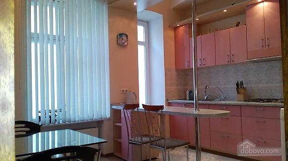 Квартира для 6 человек возле Оперного театра, 3х-комнатная (49928), 009