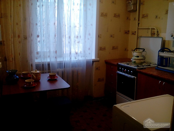Apartment in Berdyansk, Monolocale (98939), 005